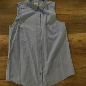 Bass sleeveless periwinkle blouse